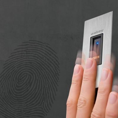 empreinte du doigt pour sécuriser une porte