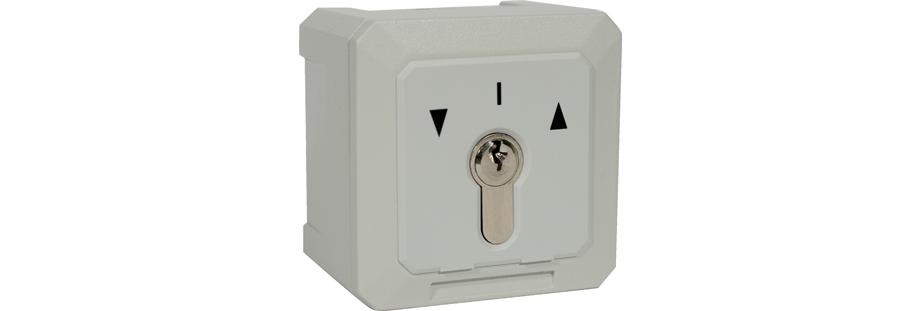 Contacteur à clefs pour déverrouiller système de contrôle d'accès