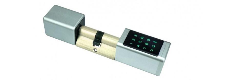 Cylindre électronique connecté à code et badge